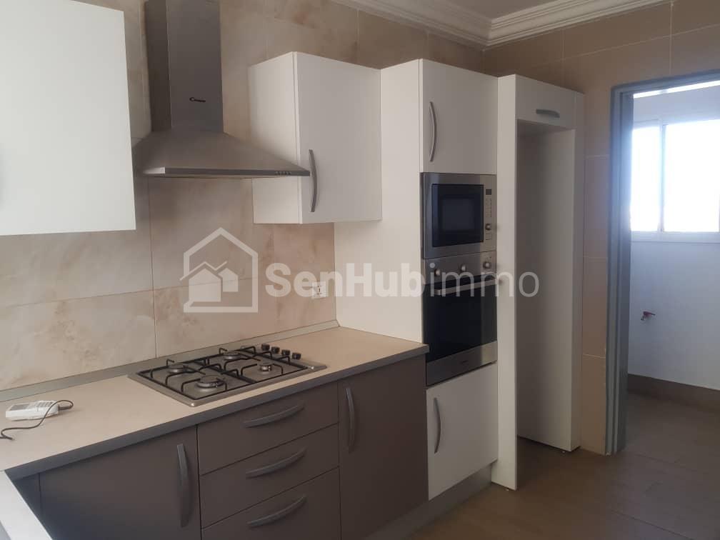 Location appartement F4 au Sacré coeur - SenhubImmo.com