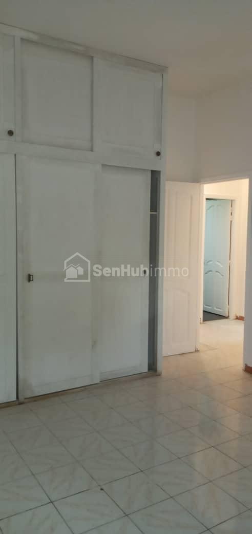 Villa à F5 louer - SenhubImmo.com