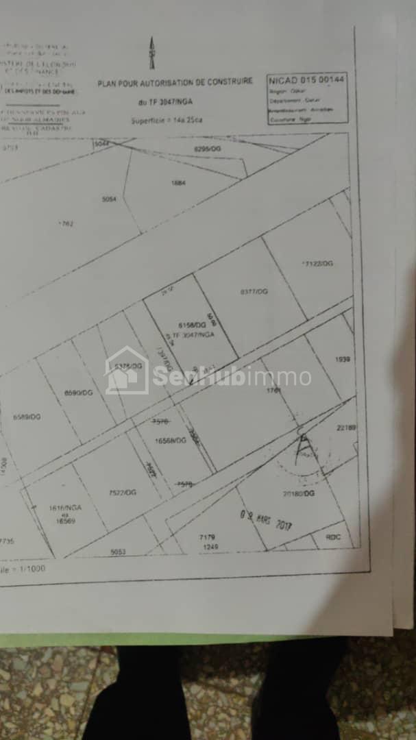 Terrains Commerciale de 1425 m2-Almadies - SenhubImmo.com