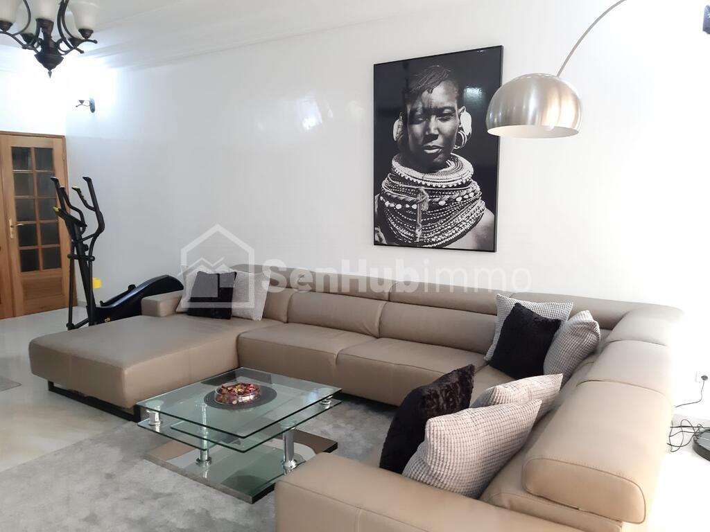 Studio meublé à louer au Cité Keur Gorgui - SenhubImmo.com
