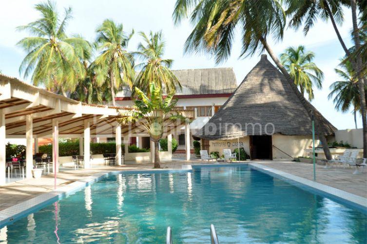 hotel a vendre a Mbour - SenhubImmo.com